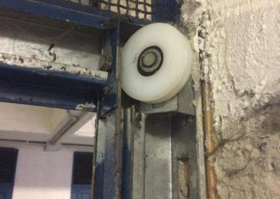 cambio cuscinetto porta garage.2. jpg