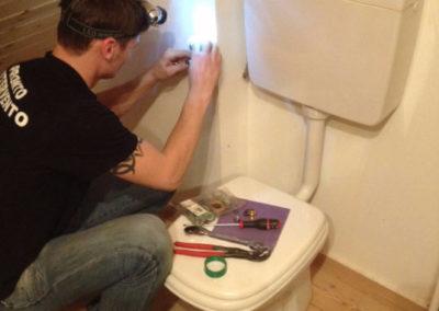 riparazione perdita +cambio vaschetta wc